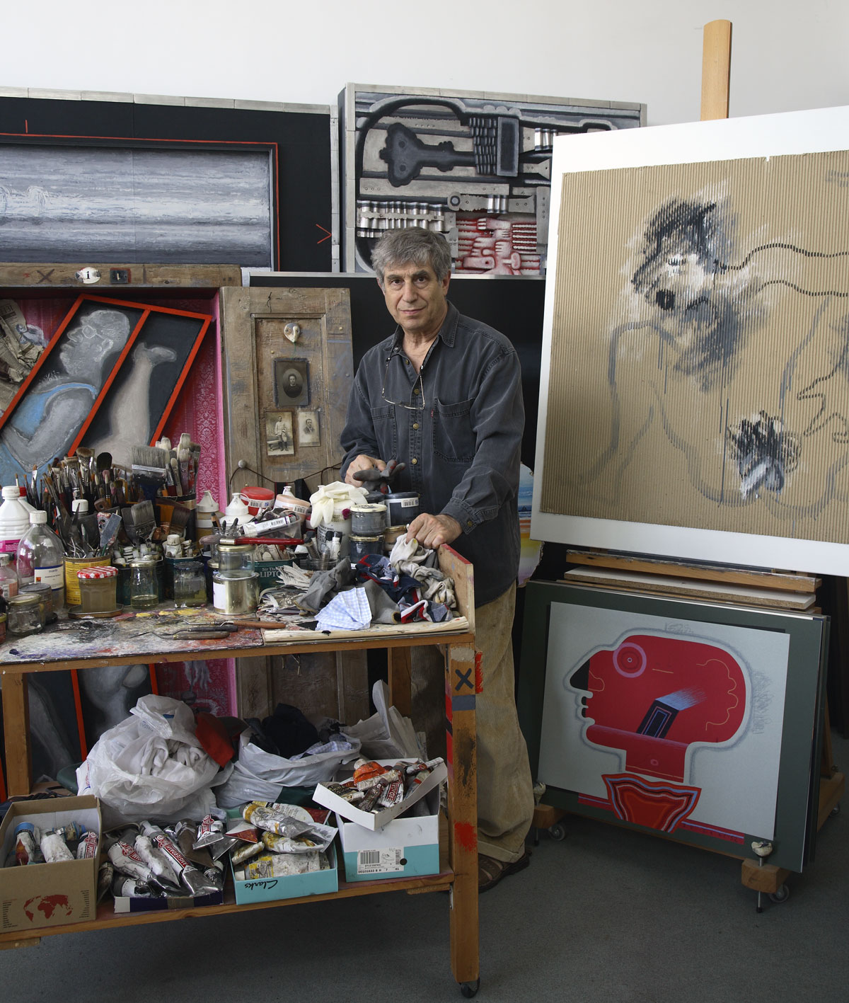 Vladimir Yankilevsky in his studio